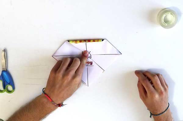 Faire une cocotte en papier - étape 4b