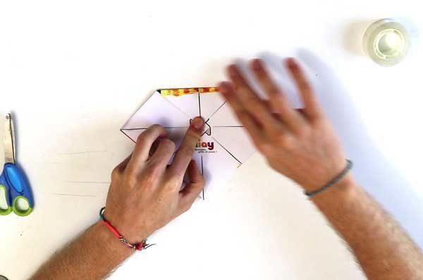 Faire une cocotte en papier - étape 4c